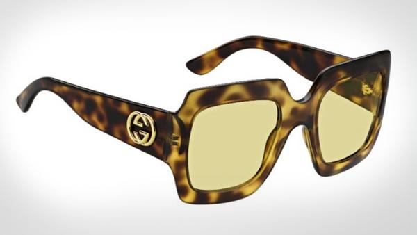 b418622891 Las hay que ya se han rendido a la camiseta de Gucci ¿qué tal si combinamos  algunas de sus gafas de sol con prendas básicas para darle el protagonismo  que ...
